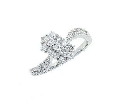 18K White Gold Diamond Cluster Style Fashion Ring