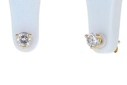 14K Yellow Gold Round Brilliant Diamond Three Prong Martini Stud Earrings