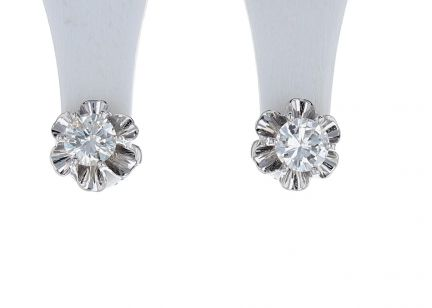 14K White Gold Diamond Stud Buttercup Earrings